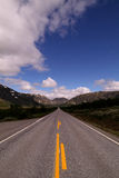 Strada diritta lunga Fotografia Stock