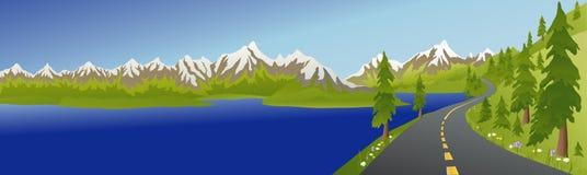 Strada e lago della montagna di estate Fotografia Stock