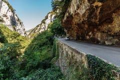 Strada in gola nel Alpes-Maritimes Fotografie Stock