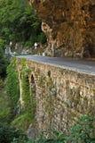 Strada in gola nel Alpes-Maritimes, Fotografie Stock