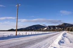 Strada innevata dell'Idaho. fotografia stock libera da diritti