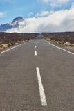 Strada lunga di modo sul parco nazionale vulcan di EL Teide in Tenerife Immagini Stock Libere da Diritti