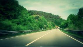 Strada in montagne archivi video