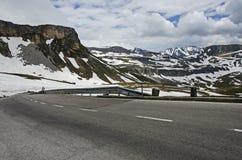 Strada nella montagna delle alpi Fotografia Stock Libera da Diritti