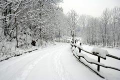 Strada nella neve Fotografie Stock Libere da Diritti