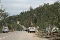 Strada nella pista di pattinaggio di Medeo (Medeu) a Almaty dopo smerch, il Kazakistan fotografia stock