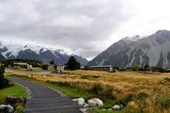 Strada nelle alpi del sud, Nuova Zelanda Fotografia Stock