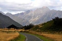 Strada nelle alpi del sud, Nuova Zelanda Immagine Stock
