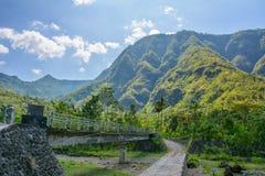 Strada nelle montagne del villaggio di Amed, Bali, Indonesia Fotografie Stock