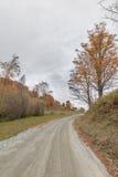 Strada non asfaltata nella caduta Fotografia Stock Libera da Diritti