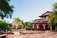 Strada in parco Villaggio antico Altos de Chavon - Immagini Stock Libere da Diritti