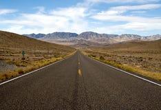 Strada principale 50 (la strada più sola) nell'Utah Fotografie Stock