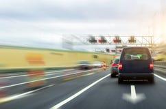 Strada principale ad alta velocità, riparazione di velocità dell'automobile nel tunnel Immagine Stock Libera da Diritti