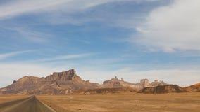 Strada principale del deserto, montagne di Akakus, Sahara, Libia Immagini Stock