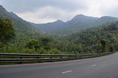 Strada principale del passo di montagna di Bao Loc nel Vietnam Fotografie Stock Libere da Diritti