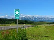 Strada principale del trasporto Canada con il segno Fotografia Stock