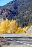Strada principale della montagna in autunno Fotografia Stock