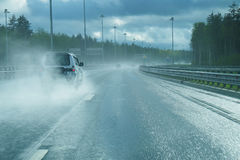 Strada principale dopo pioggia immagine stock libera da diritti
