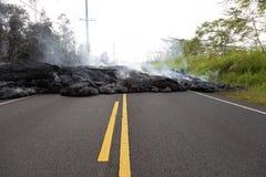 Strada principale in Hawai, che si sono distrutte tramite un flusso di lava Immagini Stock Libere da Diritti