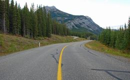 Strada principale in Montagne Rocciose fotografie stock