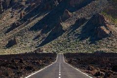Strada principale sopra flusso di lava Immagini Stock