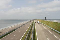 Strada principale su Afsluitdijk Fotografia Stock