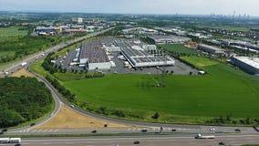 Strada principale tedesca e grande zona industriale archivi video