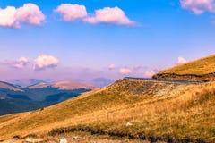 Strada Romania della montagna di Transalpina fotografia stock