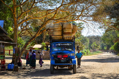 Strada rurale in Bagan, Myanmar Fotografie Stock