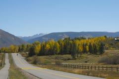 Strada scenica del Colorado nella caduta Fotografia Stock