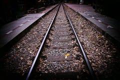 Strada senza fine di retro stile ferroviario Immagini Stock Libere da Diritti