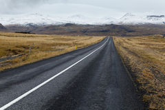 Strada sola alla penisola di Snaefellsnes. Immagine Stock Libera da Diritti