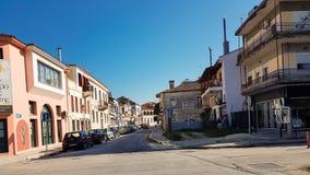 Strada stretta delle costruzioni nella città Grecia di Giannina fotografia stock