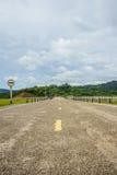 Strada sulla diga Fotografie Stock Libere da Diritti