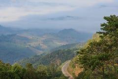 Strada sulla montagna Fotografie Stock Libere da Diritti