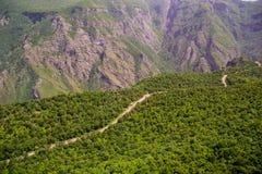 Strada tortuosa della montagna, Armenia, Tatev Immagine Stock