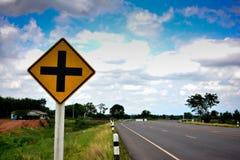 Strada trasversale del segnale stradale Fotografia Stock Libera da Diritti
