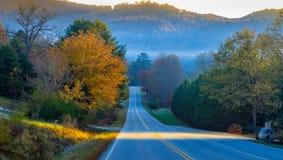 Strada verso la valle del cielo Fotografie Stock Libere da Diritti