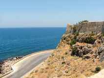 Strada vicino alla fortezza di Rethymno fotografia stock