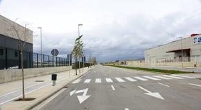 Strada vuota nella zona industriale Fotografia Stock Libera da Diritti