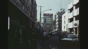 Strade dei negozi occupate a Ginza stock footage