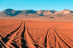 Strade del deserto di Altiplano fotografia stock libera da diritti