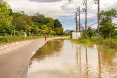 Strade e villaggi sommersi in Tailandia del sud immagine stock libera da diritti