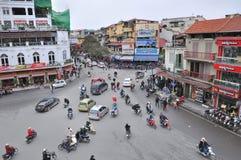 Strade trasversali e traffico, Hanoi Fotografia Stock Libera da Diritti