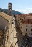 Stradun, ο κεντρικός δρόμος στην παλαιά πόλη σε Dubrovnik Στοκ Εικόνες