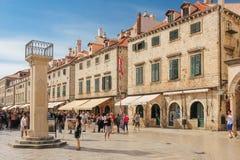 Stradun和奥兰多的专栏 杜布罗夫尼克市 克罗地亚 免版税库存照片