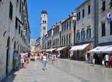Stradun, a rua principal do ` s da cidade imagens de stock