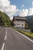 Straße der französischen Alpen Lizenzfreies Stockfoto