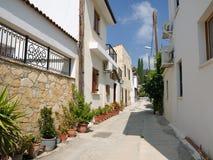 Straße im Dorf, Zypern Lizenzfreie Stockfotos