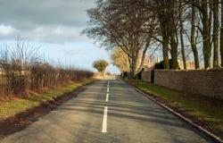 Straße in ländlichem Großbritannien Stockfotografie